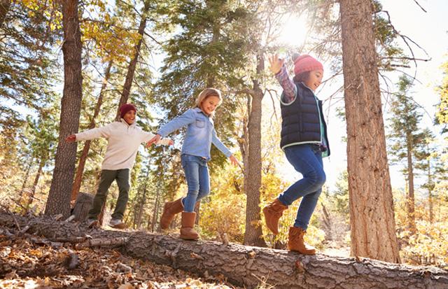 Fall: Kids wearing hats